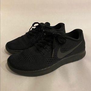 Women's Black Nike Free Runs - Size 7